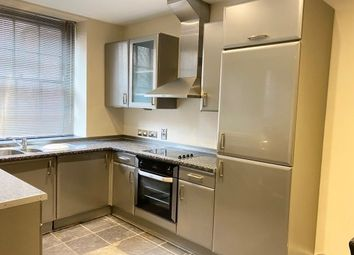 2 bed flat to rent in Hollowstone, Nottingham NG1
