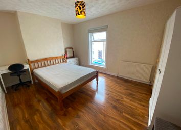 2 bed terraced house to rent in Western Street, Swansea SA1