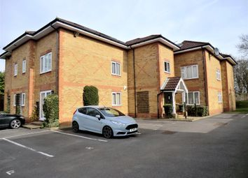 Thumbnail 1 bed flat to rent in Oakwood Road, St Albans
