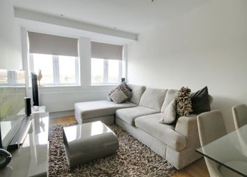 Thumbnail 2 bedroom flat to rent in Swanfield Road, Waltham Cross