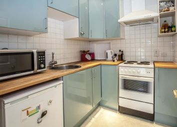 Thumbnail 1 bed flat to rent in Askew Road, Shepherds Bush, London