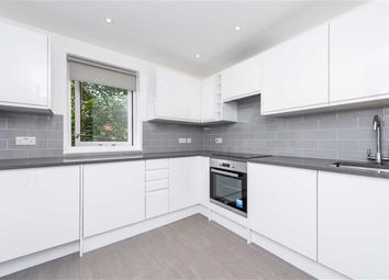 Thumbnail Flat to rent in Worcester Mews, London