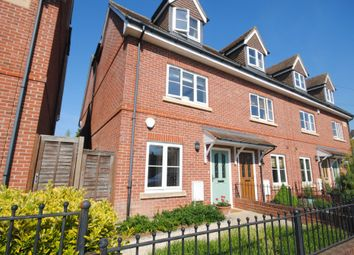 Thumbnail 4 bed town house to rent in Talbot Road, Lingfield