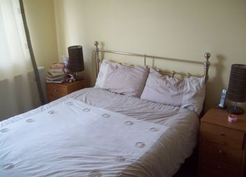 Thumbnail 2 bed flat to rent in Cobbetts Avenue, Redbridge