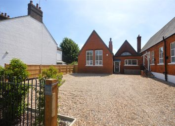 Thumbnail 2 bedroom mews house for sale in Jubilee Court, Chiltern Road, Dunstable