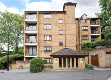 Thumbnail 2 bed flat to rent in Kingswood Drive, Crystal Palace