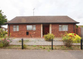 Thumbnail 3 bed detached bungalow to rent in Leslie Road, Rayleigh