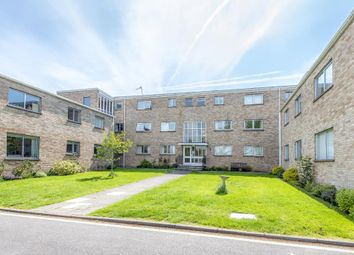 3 bed flat to rent in Bicester Road, Kidlington OX5