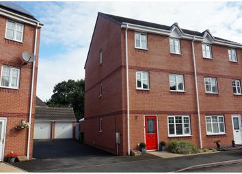 Thumbnail 3 bed town house for sale in Chesterton Gardens, Worcester