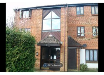 Thumbnail 1 bed flat to rent in Kilmington Close, Bracknell