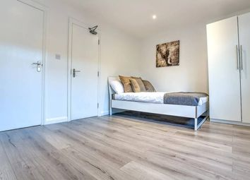 Thumbnail 2 bed flat to rent in Newington Butts, London
