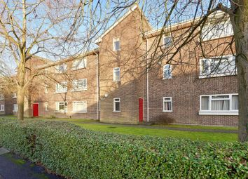 Thumbnail 2 bedroom flat for sale in Grange Court, Newbury