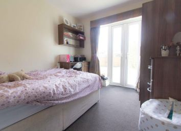 Thumbnail 6 bed property to rent in Estcourt Terrace, Headingley, Leeds