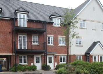 Thumbnail 4 bed town house to rent in Kingshill Drive, High Wycombe