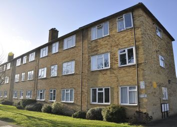2 bed flat to rent in Parkside, Potters Bar EN6