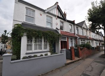 Thumbnail 1 bed flat to rent in Aveling Park Road, Walthamstow