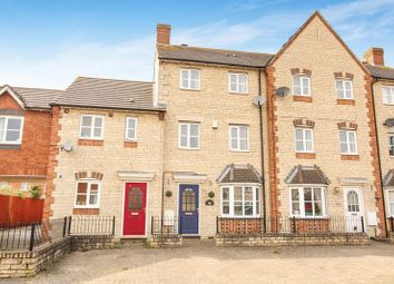 Thumbnail 3 bed property for sale in Mallards Way, Bicester