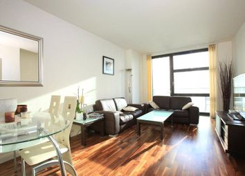 Thumbnail 1 bed flat to rent in Discovery Dock West, South Quay Square, Canary Wharf, London