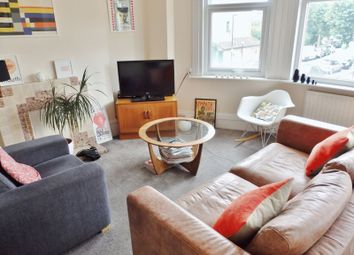 Thumbnail 2 bed flat to rent in Fortis Green Road, London