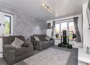 1 bed flat for sale in Bates Crescent, Waddon, Croydon CR0