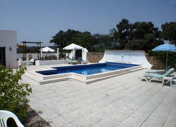 Thumbnail 5 bed villa for sale in Portugal, Algarve, Santa Bárbara De Nexe