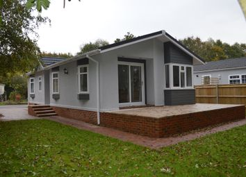 2 bed mobile/park home for sale in Baddesley Road, North Baddesley, Southampton SO52