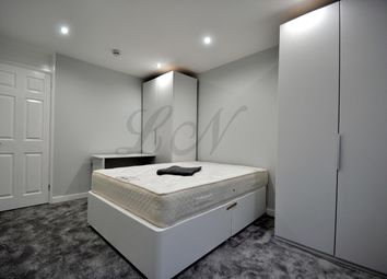 Thumbnail Room to rent in Petersfield Gardens, Luton