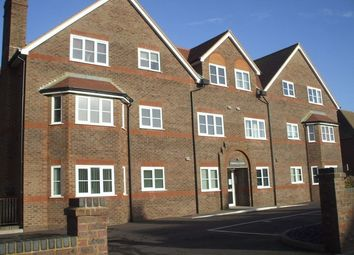 Thumbnail 2 bedroom flat to rent in Pages Avenue, Bexhill-On-Sea, East Sussex