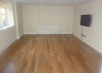 Thumbnail 2 bed flat to rent in Town Centre, Bedford
