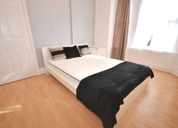 Thumbnail Room to rent in Wantage Road, Reading, Berkshire, - Room 1