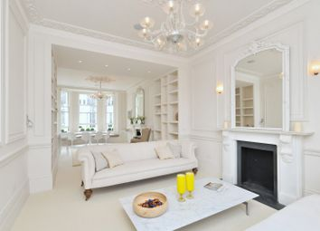 Thumbnail 3 bed flat to rent in Park Street, Mayfair, London, England