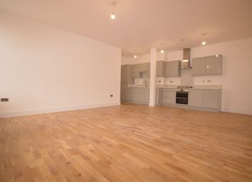 Thumbnail 3 bed flat to rent in White Hart Court, Wharfside Close