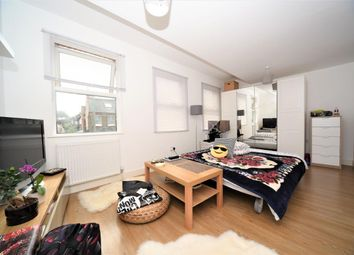 Thumbnail Studio to rent in Nant Road, Golders Green