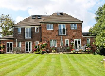 Thumbnail 2 bed flat for sale in Prospect Close, Bushey