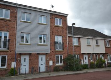 Thumbnail 4 bed town house to rent in Poundlock Avenue, Northwood, Stoke-On-Trent