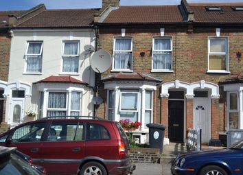 Thumbnail 1 bed flat to rent in Etchingham Road, London