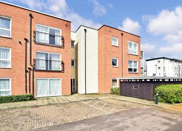 2 bed flat for sale in Canalside, Redhill, Surrey RH1