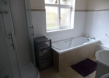 Thumbnail 6 bed property to rent in Alexandra Road, Bedford