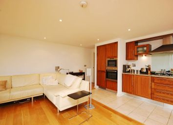 Thumbnail 2 bed flat to rent in Whitelands Crescent, Putney