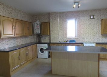 Thumbnail 3 bedroom flat to rent in High Street, Brierley Hill