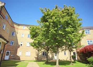 Thumbnail Flat to rent in Rookes Crescent, Chelmsford