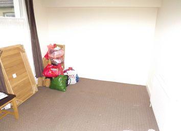 Thumbnail 2 bedroom flat to rent in Marine Avenue, Westcliff On Sea