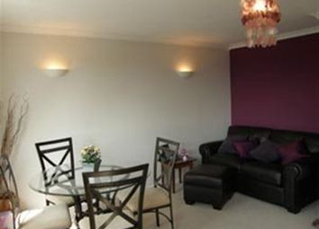 Thumbnail 1 bed flat to rent in Goldings Road, Loughton