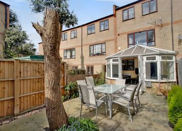 Thumbnail 6 bed terraced house for sale in Caledonian Wharf, Canary Wharf, London