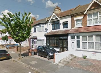 Thumbnail Room to rent in St. Luke's Avenue, Ilford