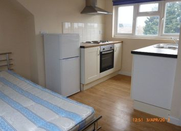 Thumbnail 1 bed flat to rent in Chaucer Avenue, Hounslow