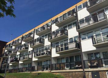 Thumbnail 1 bedroom flat to rent in Hillside, Hoddesdon