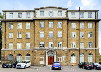 Thumbnail 2 bed flat for sale in Vanbrugh Hill, London
