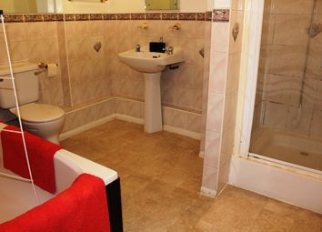 Thumbnail 1 bed flat to rent in One Bedroom Flat - Southampton Street, Reading RG1, Reading,