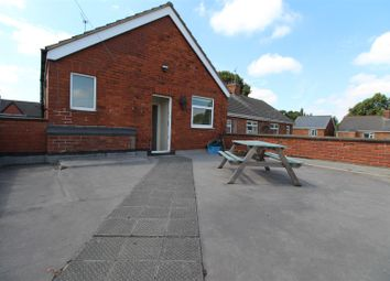 Thumbnail 2 bed property to rent in Glanville Avenue, Scunthorpe